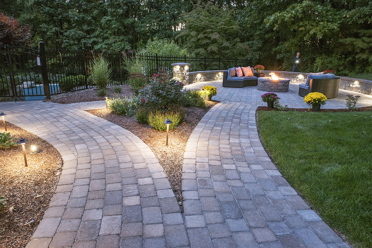 Nh stone work walkways nowak landscape construction for Walkway landscaping
